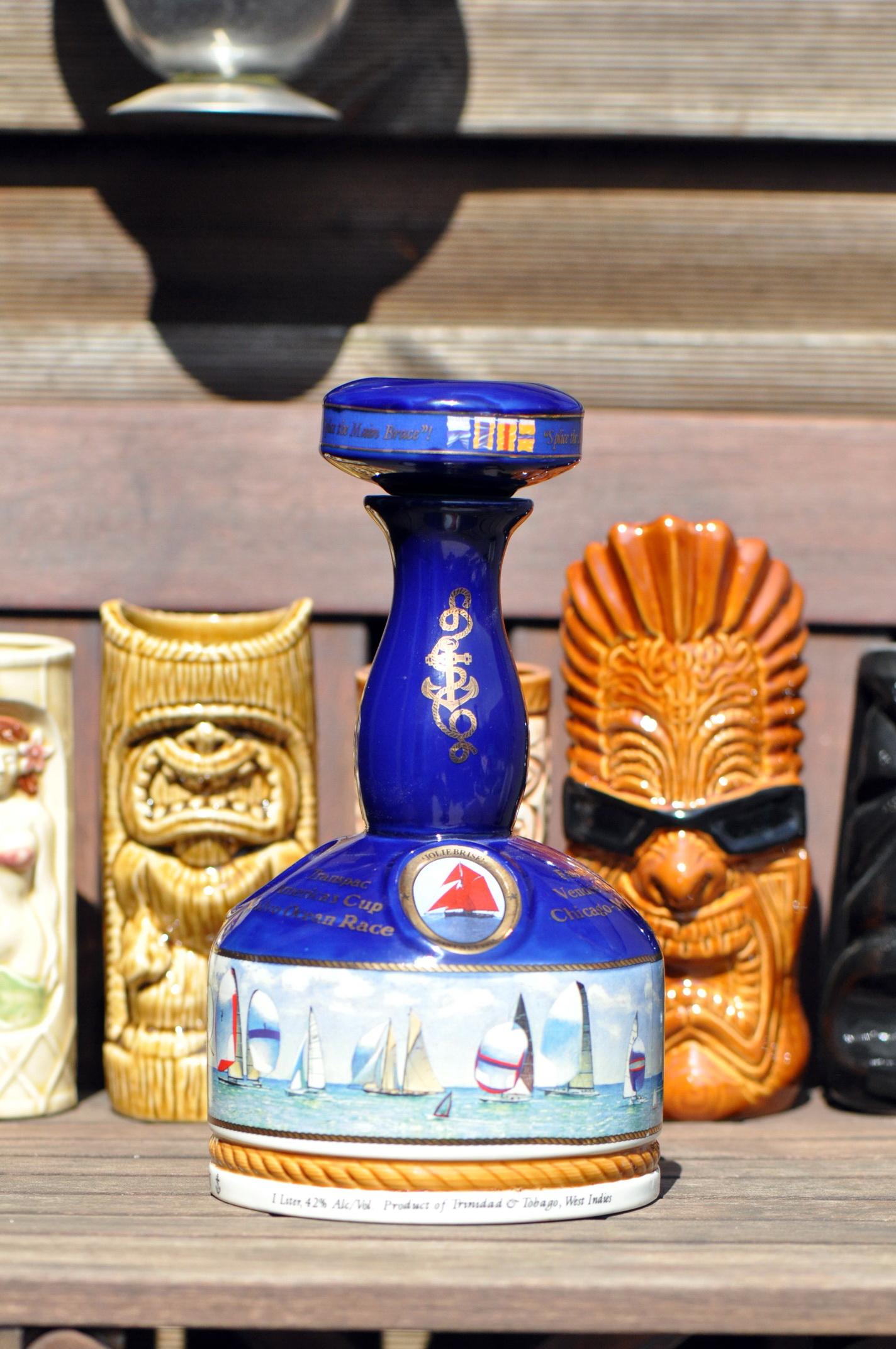 Nelsons Blood, in der seltenen Keramik Flasche
