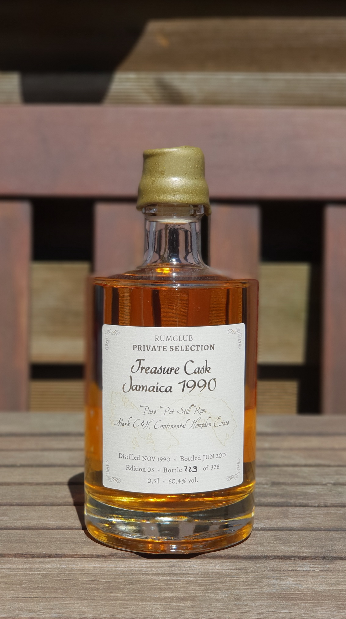 Rumclub Private Selection: Treasure Cask Jamaica 1990 (2017)0,5L und 60,4% von Hampden Estate.Einzelflasche, handnummeriert: 229 von 328
